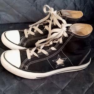 Children's black Converse high tops size 3